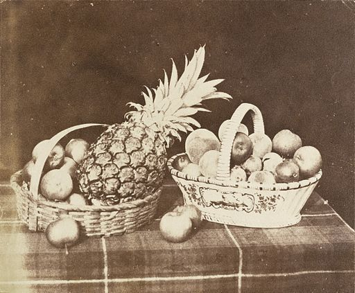 Pineapple and apples (Wikimedia Commons)